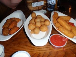 Jalapeno poppers, fried mushroom, mozz sticks = health 4 life? ha